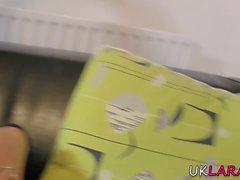 Chatte manger mature brit
