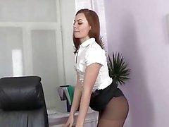 Sekreter ofiste pissy ve ıslanması