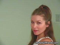 Sexy Heather Vandeven showing her part5