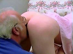 Винтаж Young старухой