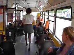 Tits gigantes ordeño autobuses