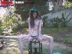 Ados Petite Chaise Rides Dildo extérieur