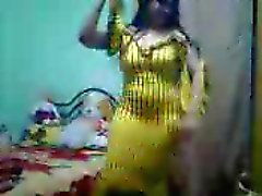 knubbig arab amatör dance 1