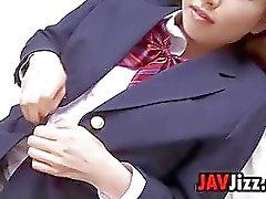 En edad escolar japonesa se burla las bragas