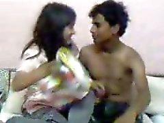 sexy Indische in hotel neuken met bf