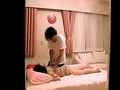 Adolescente rubia asiática dedo al orgasmo
