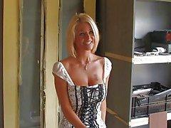 British lutka Nicola saa munaa Sweeden