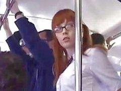L'écolière japanese doigts Fucked On d'autobus