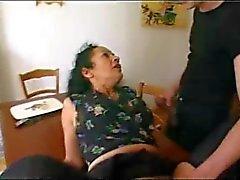 Franse volwassen meid voldoet aan 2 jongens - Rayra