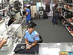 Baise Policier Libertine Dans Poste Pawnshop