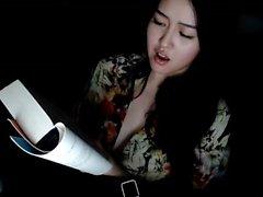 Asiatiska bröst på webbkamera slåss inte gård s
