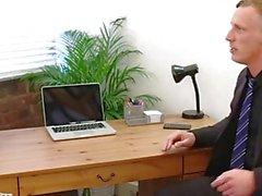 Blondin Victoria Somrar köra cock i office