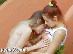 Romanttinen lesbo seikkailu usa