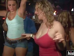 İnanılmaz kızlar partide iyi eğlenceler