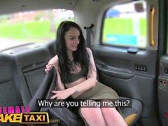 Weibliche Fake Taxi Amazing Pussy essen Orgasmen