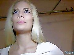 Öffentliche Agentin POV Blonde Babe Creampie (HUUU)