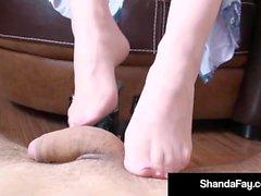 Canadian Cougar Shanda Fay Ass fodido Mostrando Pés & dedos do pé!