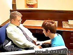 Бесплатный геев подростковый VS старая мужчину клип скачать Он
