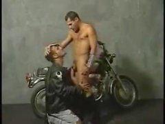 Lanet olası İki hotties için derisi bisikletçileri