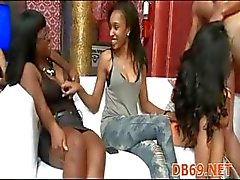 Kızlar Dick berbat ve cum alır