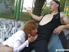 Granny Amanda Public Sex basketplan