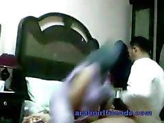 Geile Arabische paar gevangen neuken door spy cam in hotelkamer