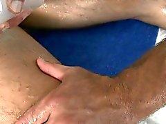 Hunk bekommt ein tiefen After Bohr aus Homosexuell Massage Therapeutin