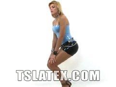 Tgirl blond Sultry Kananda Hickman a est en action seul jour