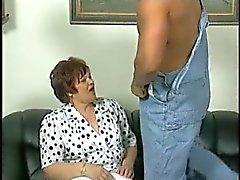 Beyaz çorap Fucks Chubby Büyükanne