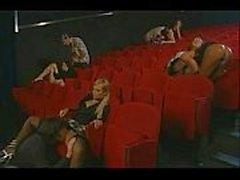 2125457 Gruppensex Junge Erwachsener in Kinos