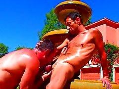Dick op lul bij de fontein