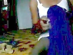 Jammu callgirl Prity pronto para próximo show
