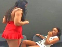 Lésbicas brasileiras Kissing 2