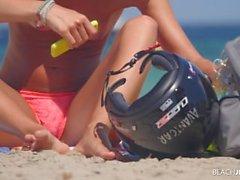 Pyöräilijä Girl Topless ranta ( 4 kilotavun Erittäin HD )