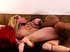 Namorada do Redhead facefucked no tabu threeway