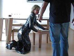Tyska Fantastci latex kjol hand och avsugning