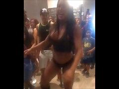 gruesa danza brasileña
