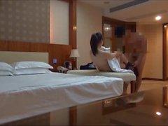 Büyük göğüslü kızkardeşi Zhang Qianlin 1