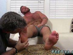 Gay fetish pies películas de sexo y chicos gay chupar dedos grandes dedos