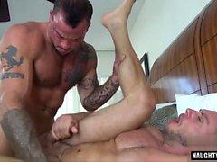 Big dick gay flip flop com gozada