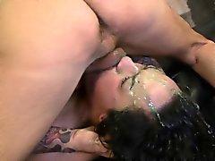 Becca Lees nära upp black grov ansiktet helvete