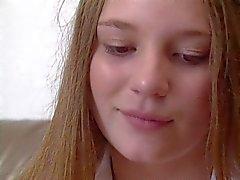 Pretty Teen Aurora Snow : Universiteit Coed