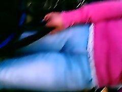 femme Curvy avec un cul bien ferme se fait filmer par un gars sournois wi