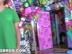 Bangbros - Halloween com Jada Stevens em um Big Ass Haunted Mansion