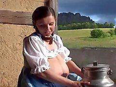 Traditionell tysk mjölk piga