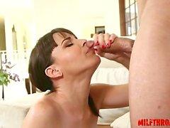 Hot MILF suun sekä Ejukulaatio