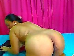 зрелые филиппинки женщина играет с ее киской на вебкамеру