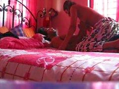 Bangladeshilaisten kollegion tytön munaa Nostamallaan Tarkka ennuste - nokan