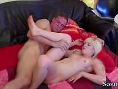 Novia alemana adolescente en real amateur creampie Sex-Tape