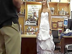 La sposa piantata lei stessa vende a negozio di pedone